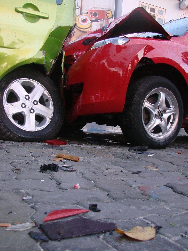 Cómo reclamar una indemnización por accidente de tráfico - Abogados Íñiguez y Velázquez